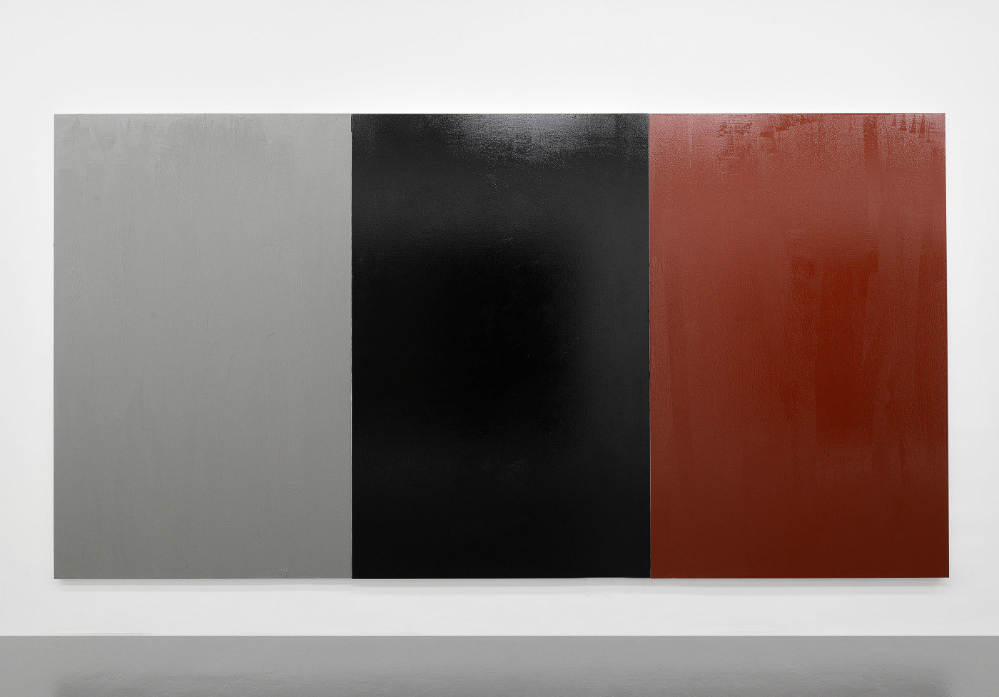 "Claire Fontaine, ""Untitled (Fresh monochrome/grey/black/red)"" (2015). Pittura anti-invasione su tela, T293 Roma"